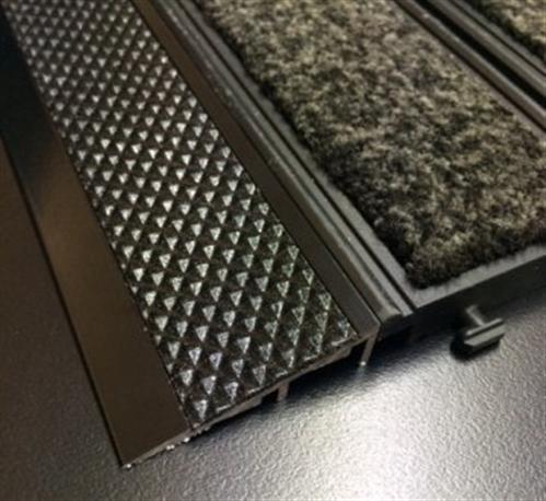 Tredsafe Connex Ramp DT080  Black Carpet to Vinyl Trim - no insert per bar