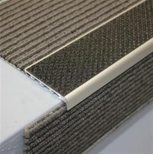 Tredsafe Drop Carpeted AA127 steps 15mm - no insert per metre