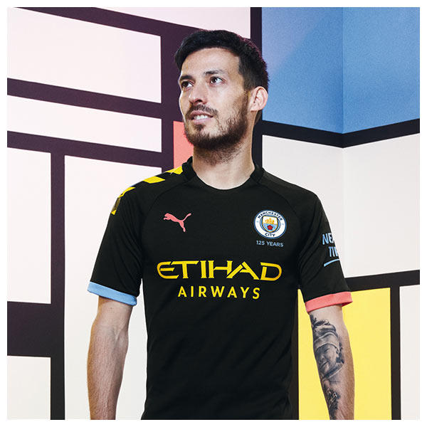 David Silva wears the 2019-20 Manchester City Away Kit