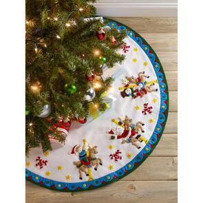 "Bucilla  Tree Skirt Applique Kit 43"" Round - Carousel Santa"