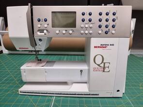 Bernina - Pre-Loved! Aurora 440 QE - Sewing Machine