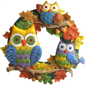 Bucilla  Felt Wreath Applique Kit Round - Owl