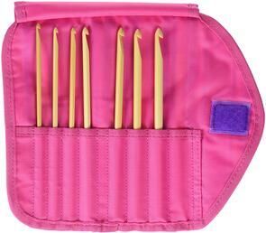 Clover  Takumi Getaway Gift Set Bamboo Crochet Hook, 7/pack