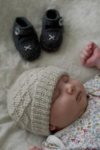 Lisa F  BC76 Princess Maud Hat and Booties