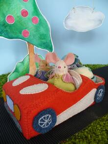 Frazzy Dazzles Mr and Mrs Mouse's Flashy Red Car