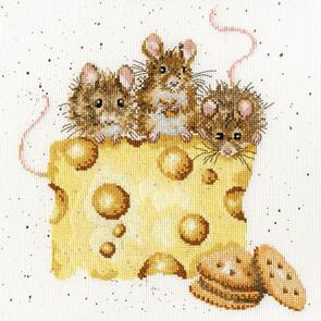 Bothy Threads  Cross Stitch Kit - Crackers About Cheese