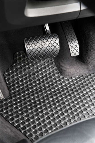Isuzu N-Series Elf (Wide Cab Auto) 2006 onwards Heavy Duty Rubber Car Mats-Full Set