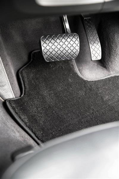 Aston Martin Vanquish 2001-2007 Platinum Carpet Car Mats