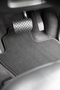 Luxury Carpet Car Mats to suit Toyota Landcruiser (73 Series) 1984-1999