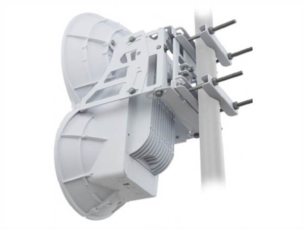 AirFiber Backhaul Radio, Unlicensed 24GHz Spectrum, 1.4Gbps+